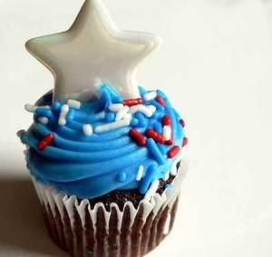 Star-Cupcake.jpg