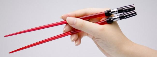 Lightsaber-Chopsticks.jpg